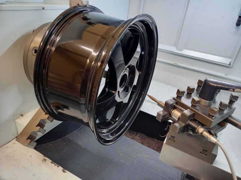 Black Wheel Wwelding